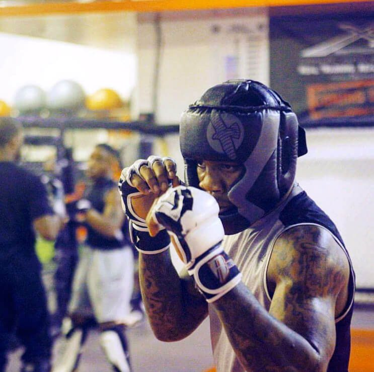 Sparring in Muay Thai class