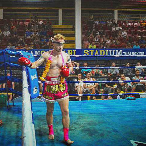 Burns Thai boxing
